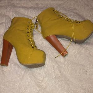 designer shoes by IVY
